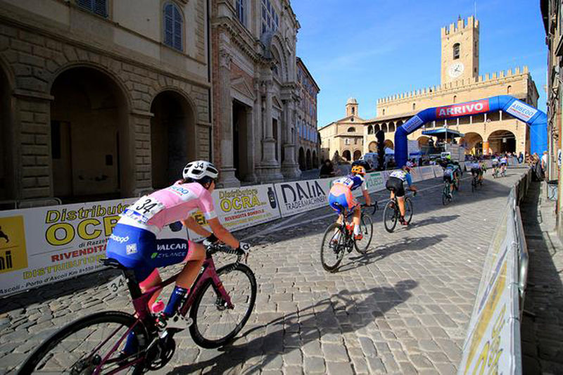 residence-borgo-offida-bike